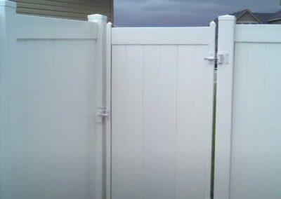 backyard vinyl fence